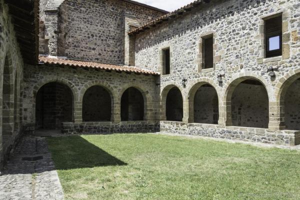 01 Fectival Chanteuges -L'abbaye 1 (8)