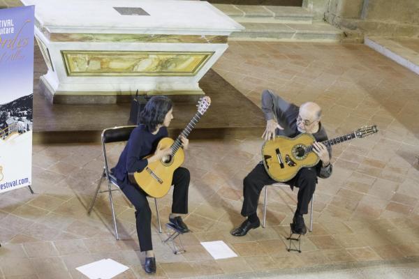 06 Festival de Chanteuges - Critina Azuma et Paulo Bellinati (17)